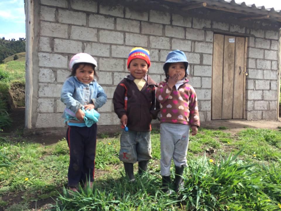 Niños de la Comunidad de Rumipungo